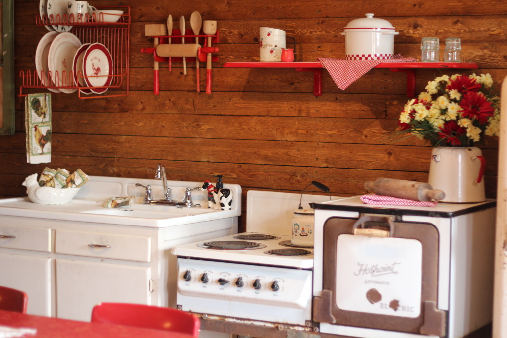 Oven, Sink, Decorations TR